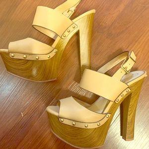[Jessica Simpson] Wooden beige heels Size 8